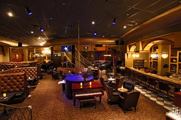 Piano Bar in Jaguars