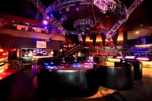 ain Dance Floor Table Service