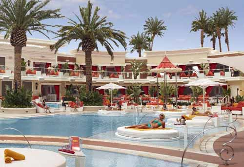 Free entry Encore Beach Club