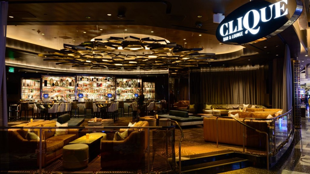 CliQue Bar and Lounge